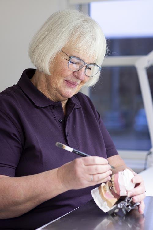 Immediat tandproteser Tandprotese straks efter tandudtrækning